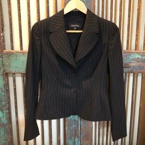 Escada pinstripe pantsuit sz 36/ 6 blazer & slacks